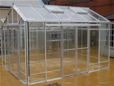 Robinsons Redoubtable Greenhouse